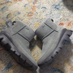 NWT UGG palomar water proof boots